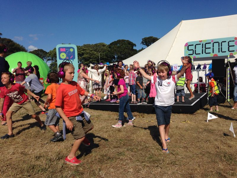 Sunshine, Space Shuttles & Bubbles – now>press>play goes to Camp Bestival